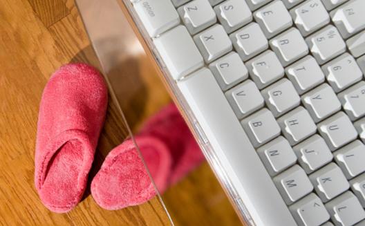 أُمهات رياديات: تسع نصائح للعمل وطفلِك في المنزل