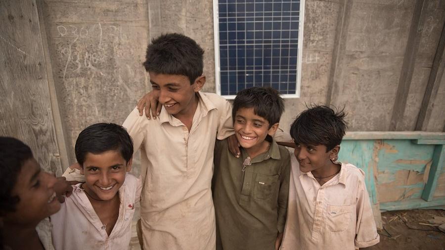 Making money from Pakistan's darkness