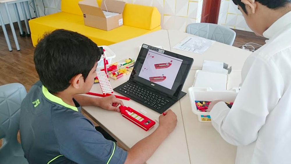 الروبوتات تساعد أطفال التوحد في التفاعل الاجتماعي