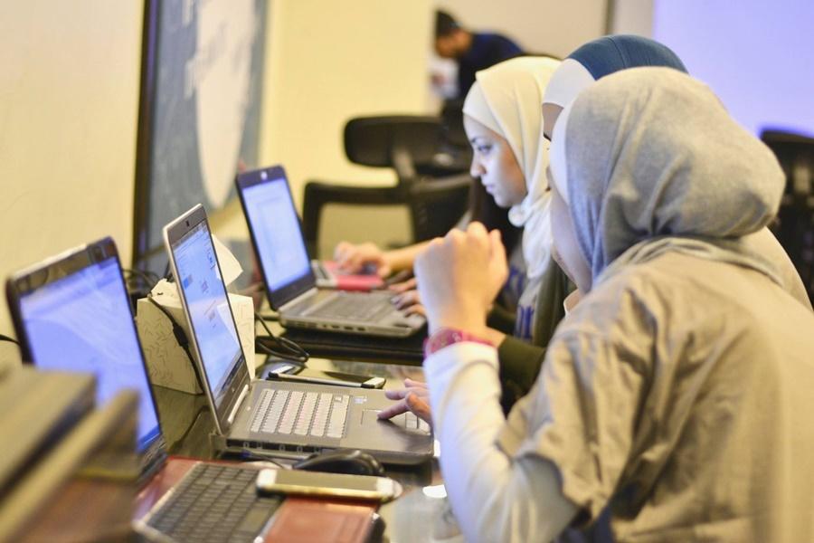 Tarjama accomplished its Coursera for Refugees Arabization mission