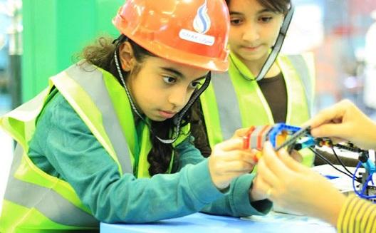العلوم في الصغر: ورش عمل من أجل شباب سعودي مبتكِر