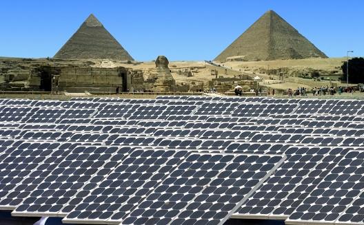 سماء مصر 'نوّرت' بالطاقة المتجددة