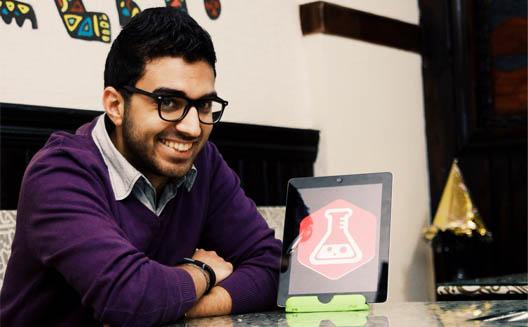 صيدلي مصري يطور مرجعًا إلكترونيًّا للأدوية