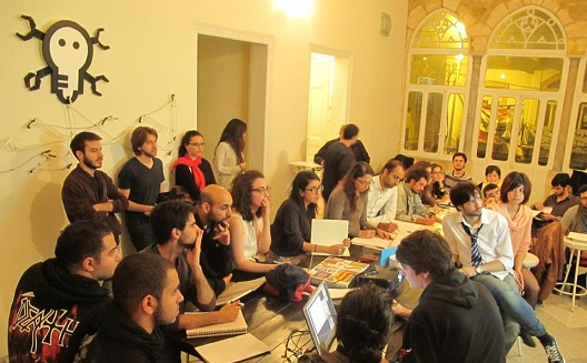 Can a Hackerspace in Beirut Spread Do-ocracy? A Look at Lamba Labs