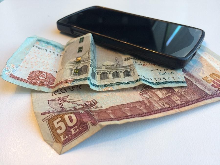Egypt loosens rules on mobile money