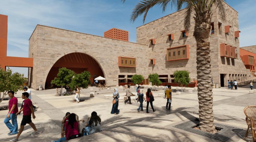 بعد أن بدأتها الجامعة الأمريكية بالقاهرة .. الشركات الجامعية الناشئة تدق أبواب السوق المصري