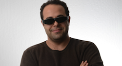 Lebanese entrepreneur beats Google Glass with lightweight 3D glasses