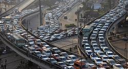 ما الحلّ لزحمة السير الخانقة في القاهرة؟ [فيديو]