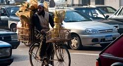 الزحمة تدفع بسوق التوصيل في القاهرة قدماً