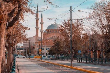 ماذا يعني هبوط العملة التركية للشركات الناشئة المحلية؟
