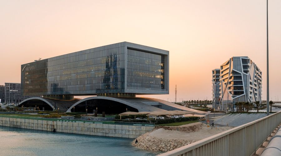 How did Bahrain become a fintech hub?
