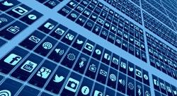 التعاقد مع شخصيات مؤثرة على المنصات الاجتماعية كبديل عن التسويق التقليدي